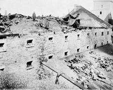 Photograph of the damage to the old Molson brewery, Montréal