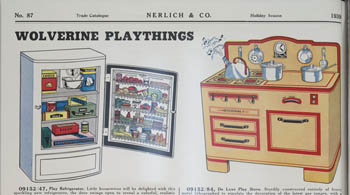 Illustration of a play refrigerator and a play stove, Nerlich Fall and Holiday 1939-1940 catalogue